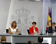 El Gobierno eleva el Salario Mínimo Interprofesional a 965 euros y prorroga los ERTE hasta el 28 de febrero